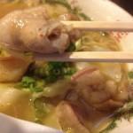福岡・中洲川端の「屋台 KENZO Cafe」で「もつラーメン」を食す!