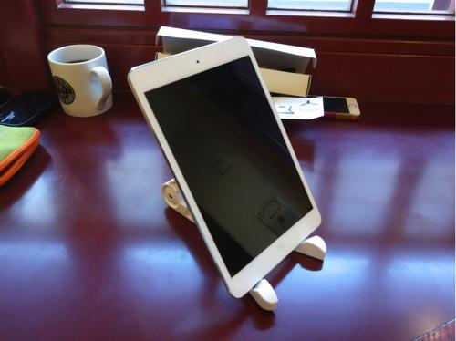ipad-air-mini-nexus7-stand-20131205-140140.jpg