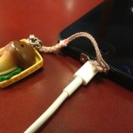 iPhone 5/5Sに携帯ストラップホールが!ネジで取り付ける金具を買ってみた