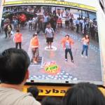 これは楽しそう!街頭で架空のダンサーとダンスを楽しむ「f&n AR screen」(動画あり)